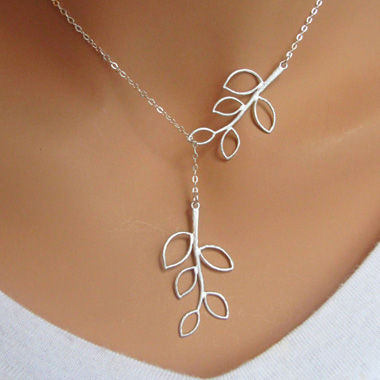 Silver Mini Leaf Pendant Necklace