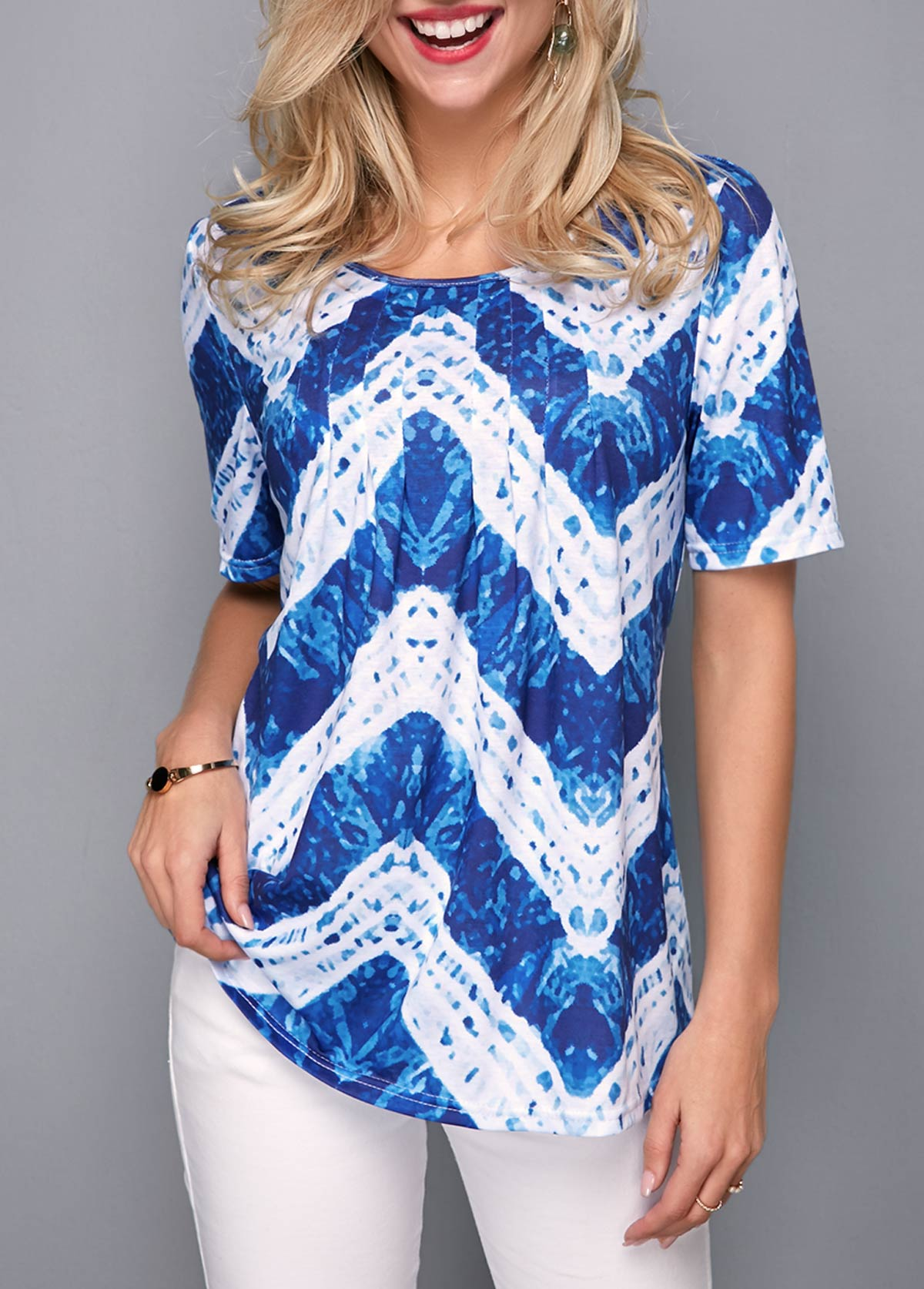 Chevron Print Short Sleeve Round Neck T Shirt