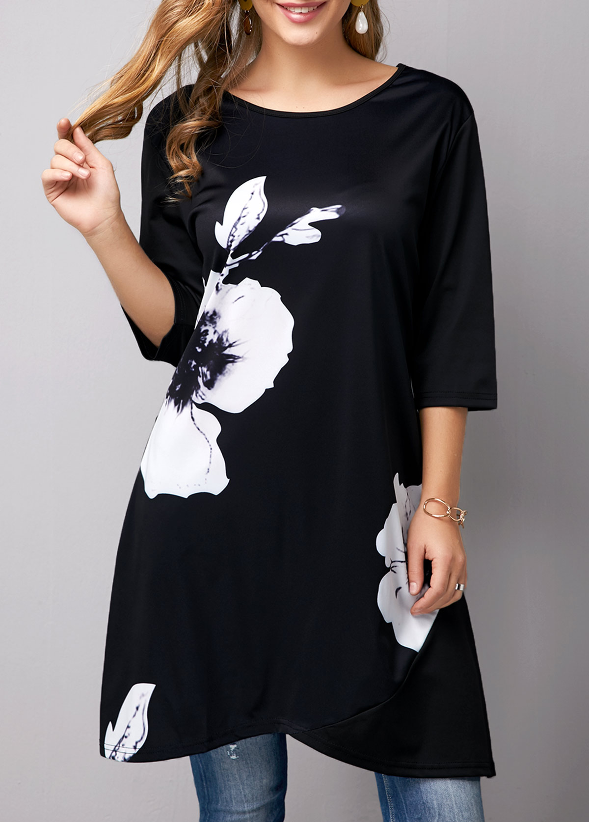 Crossover Hem Flower Print T Shirt