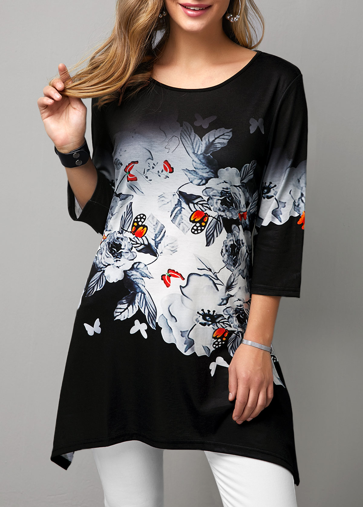 Butterfly Print Sharkbite Hem Round Neck T Shirt