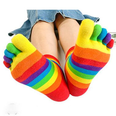 Full Toe Multicolor Striped Calf Length Socks