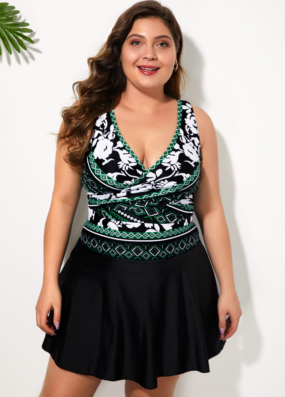 Bowknot Back Ethnic Print Plus Size Swimdress and Shorts