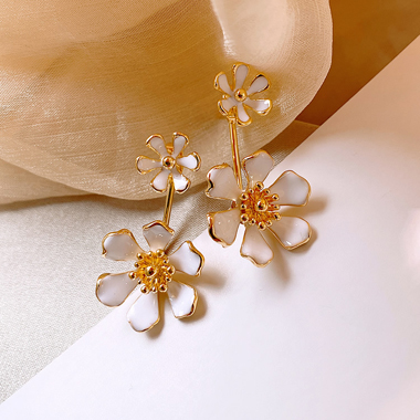 Flower Shape White Metal Earring Set