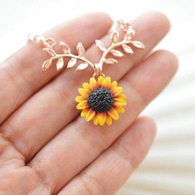 Sunflower Design Leaf Embellished Gold Metal Necklace