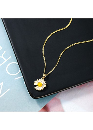 Daisy Design Gold Metal Chain Necklace - One Size