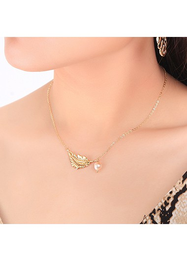 Pearl Detail Leaf Design Gold Metal Necklace - One Size