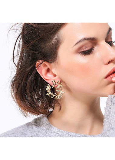 Wreath Design Gold Metal Earring Set - One Size