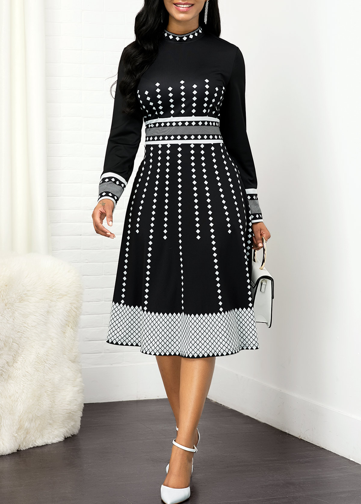 Geometric Print Round Neck Long Sleeve Dress