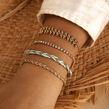 Knot Design Gold Metal Bracelet Set