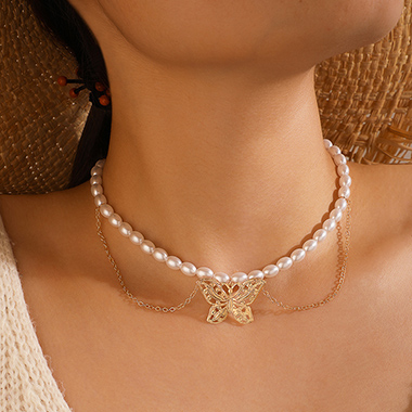 Pearl Detail Layered Butterfly Design Necklace