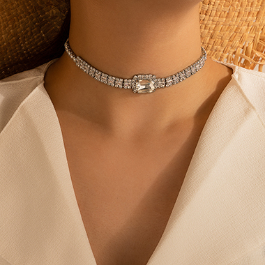 Rhinestone Detail Silver Metal Necklace