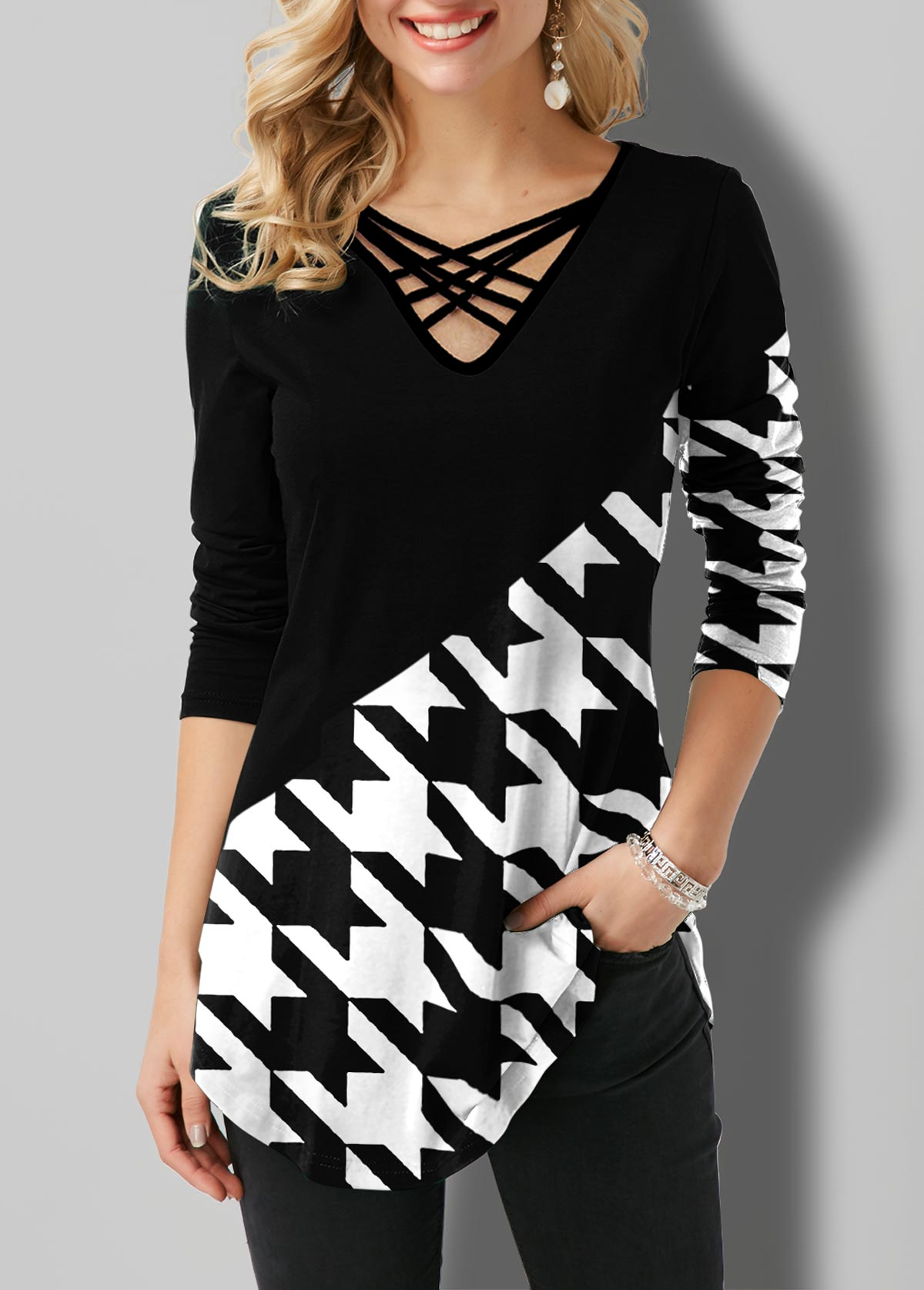 Houndstooth Print Contrast Strappy Neck T Shirt