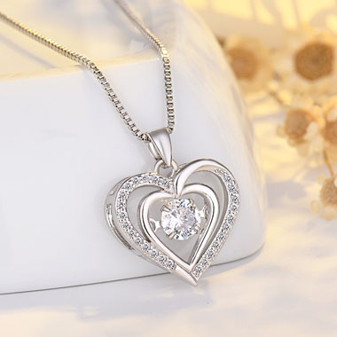 17.7 Inch Silver Heart Pendant Necklace