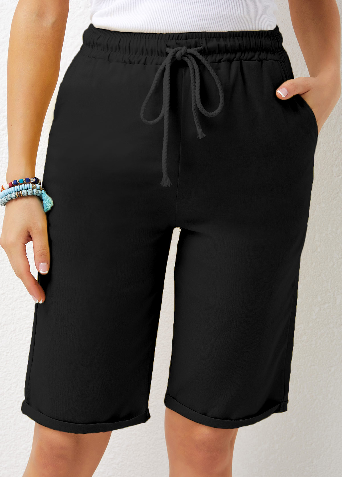 Pocket Detail Drawstring Waist Solid Shorts