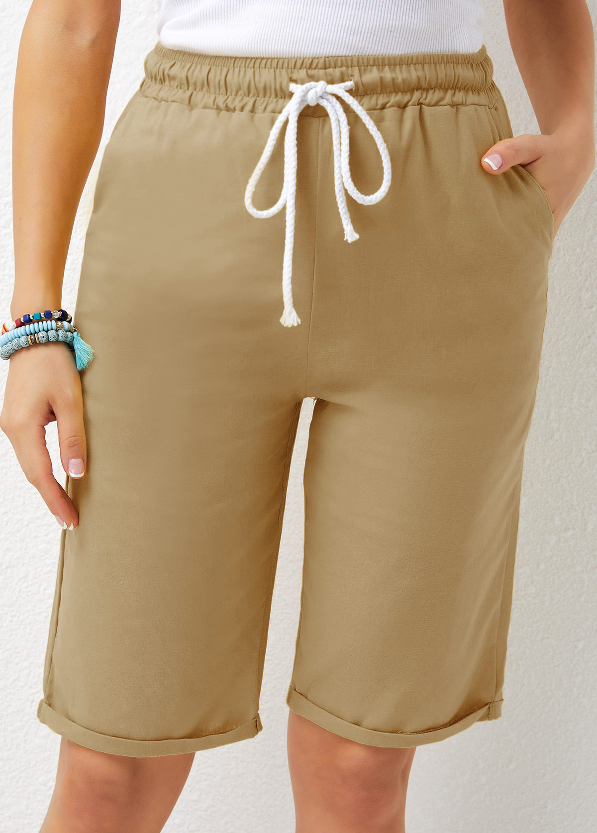 Drawstring Waist Solid Pocket Detail Shorts
