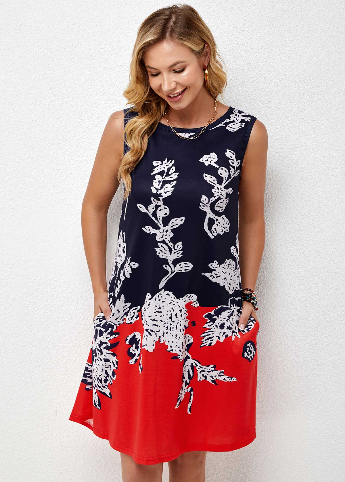 Double Pocket Sleeveless Round Neck Printed Dress