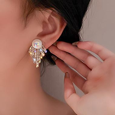 Rhinestone Detail Pearl Design Tassel Earring Set