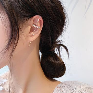 Rhinestone Metal Detail Gold Ear Studs